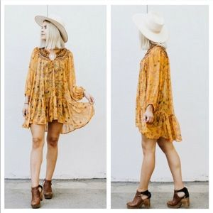 Free People | keeping up with Kara floral tunic